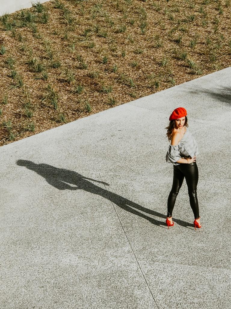 Red Hat Lady - Montréal Old Port